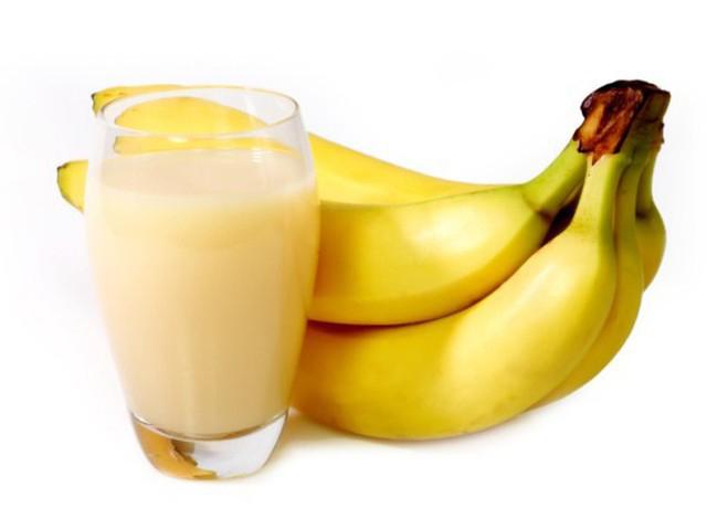 Молочний коктейль з бананом (простий, з морозивом): рецепти