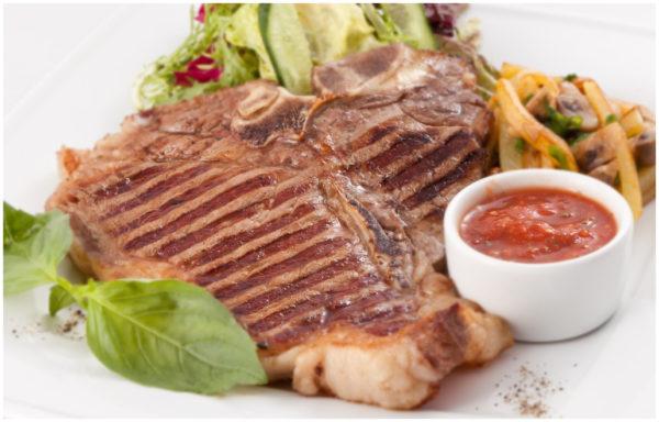 Біфштекс з яловичини: найпростіший рецепт з покроковим фото