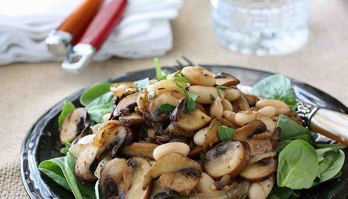 Пісний салат з грибами: легкі рецепти приготування з фото