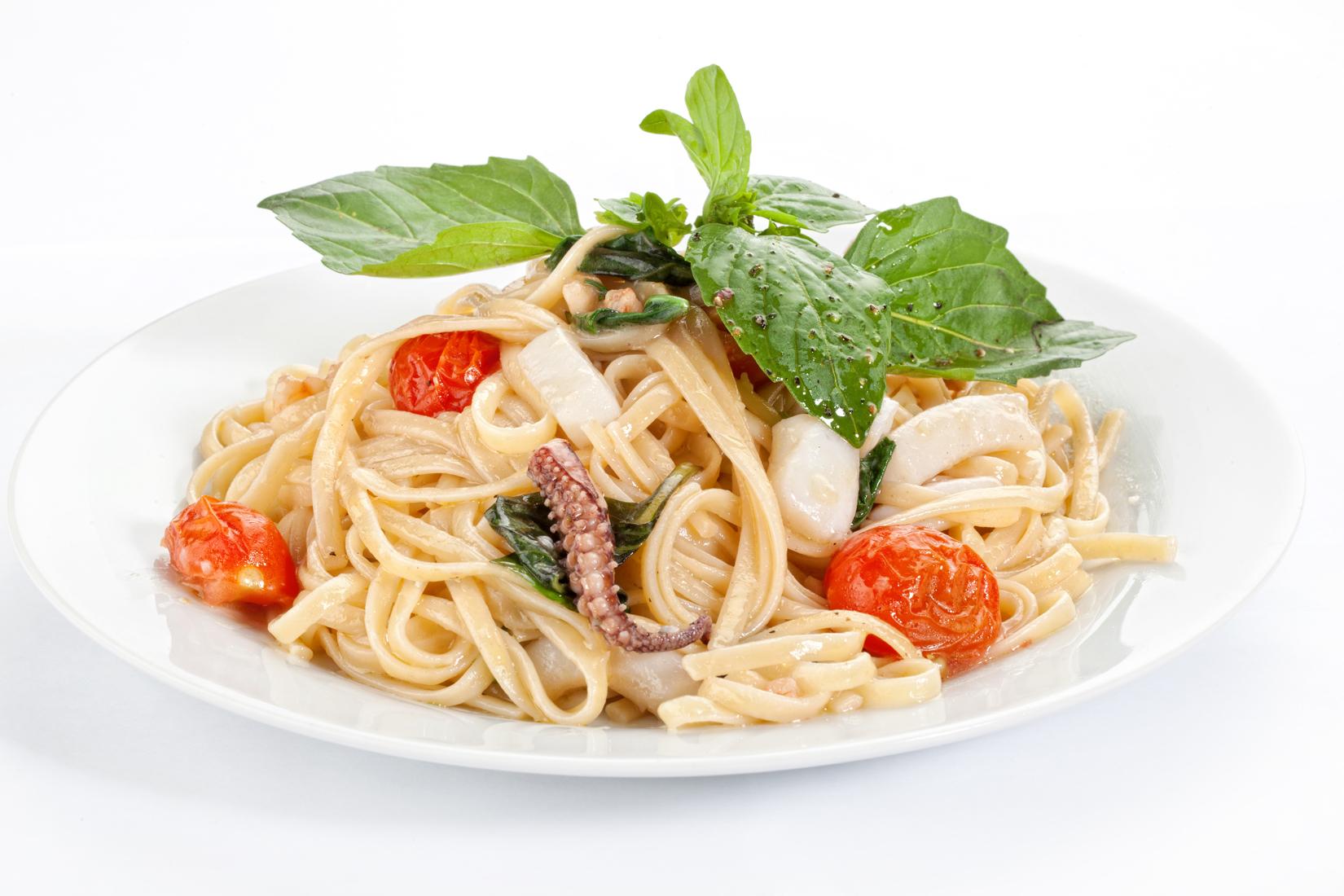 Спагетті з морепродуктами: домашні рецепти приготування