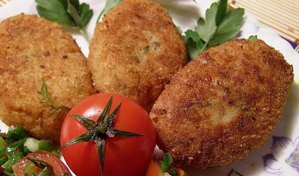 Котлети з крабових паличок (з сиром і без): рецепти з фото