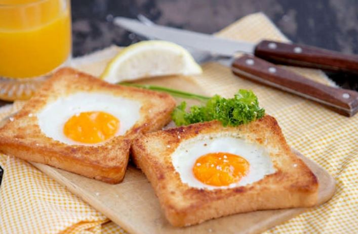 Яєчня в хлібі (на сковороді в духовці): рецепти з фото