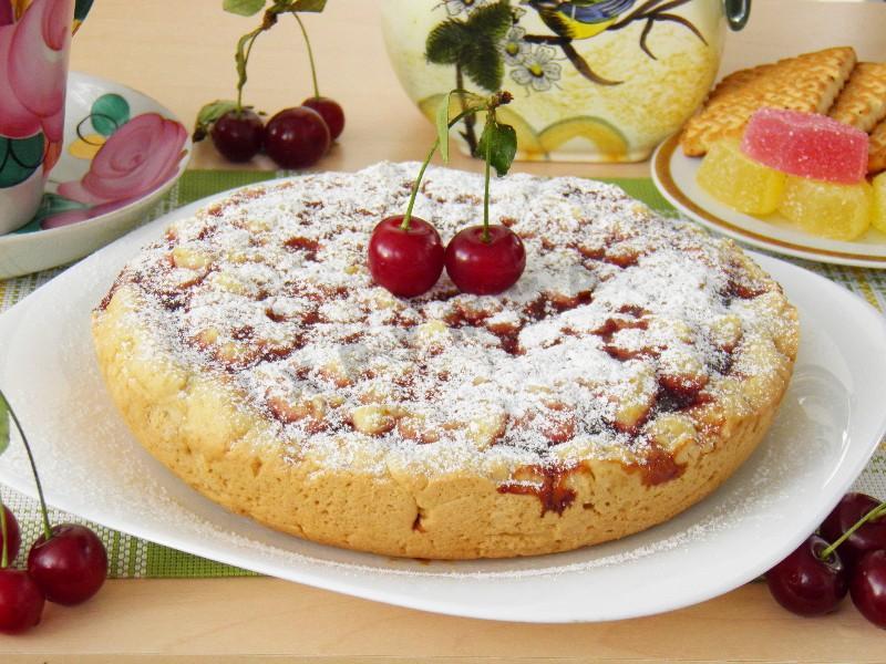 Пиріг з варенням в мультиварці: швидкий, пісочний, тертий