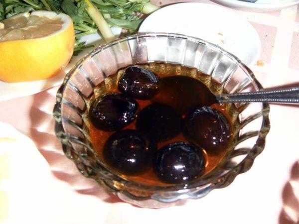 Варення із зелених волоських горіхів: користь, покрокові рецепти