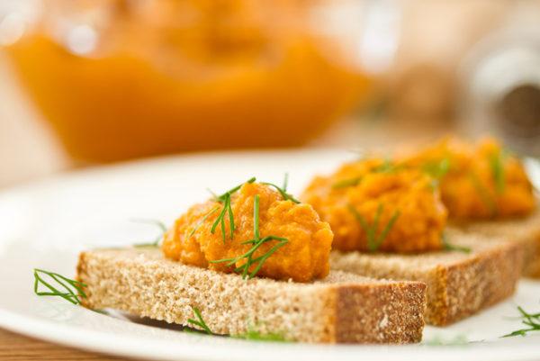 Кабачкова ікра з помідорами: класичний рецепт і на зиму