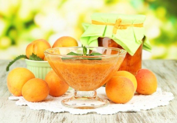 Заготовки з абрикосів на зиму: найкращі рецепти з фото