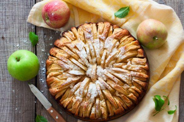 Випічка з яблуками: рецепти з фото на швидку руку