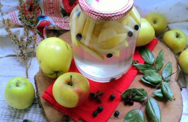 Компот з яблук на зиму: прості рецепти з фото покроково