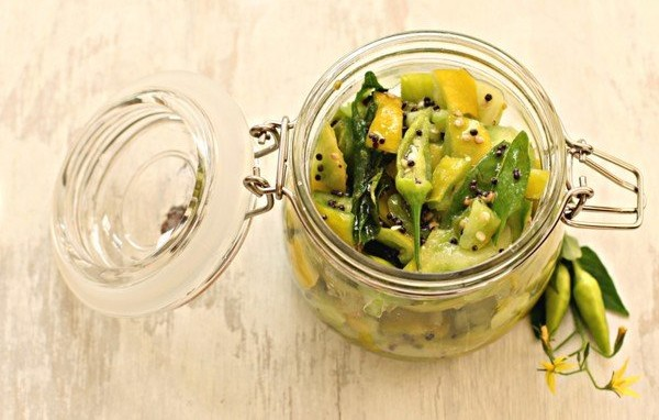 Салат із зелених помідорів на зиму: рецепти смачних заготовок