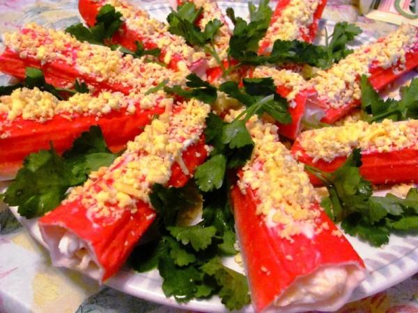 Фаршировані крабові палички: покрокові рецепти з фото