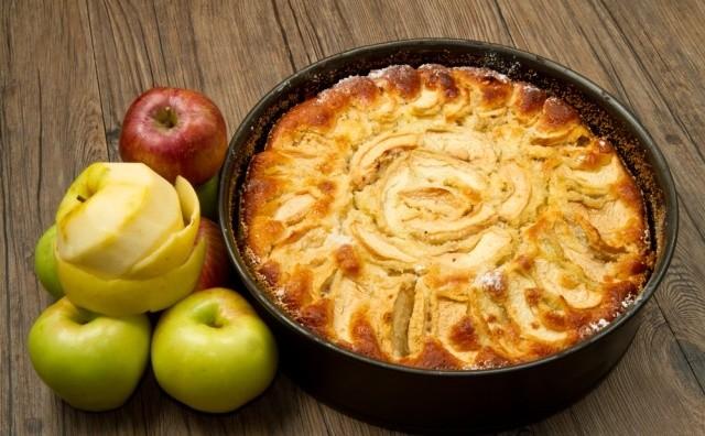 Пісний пиріг з яблуками: різні рецепти з покроковим фото