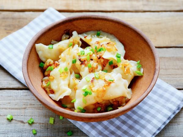 Пісні вареники з картоплею: легкі рецепти з фото покроково