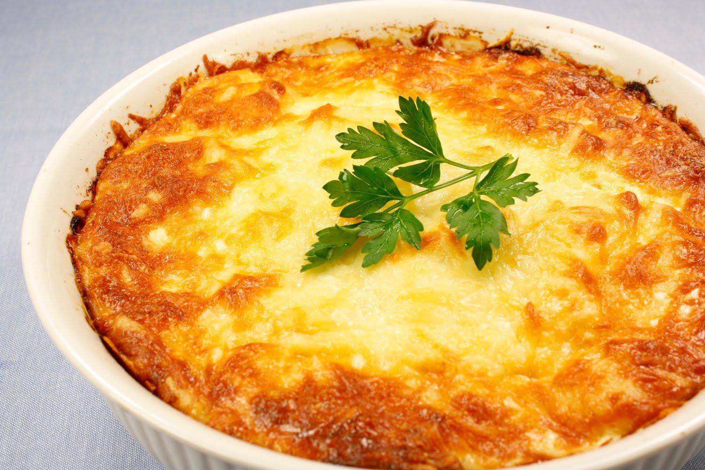 Картопляна запіканка з м'ясом в духовці і в мультиварці