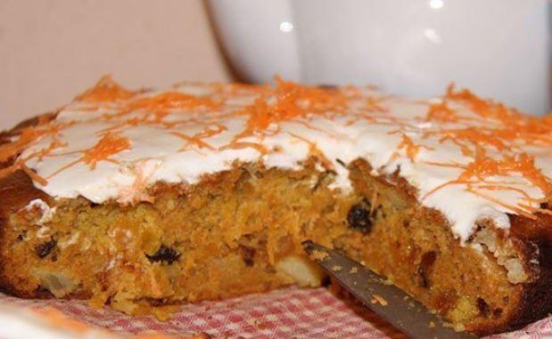 Швидкий пиріг до чаю за 5 хвилин: покроковий рецепт з фото