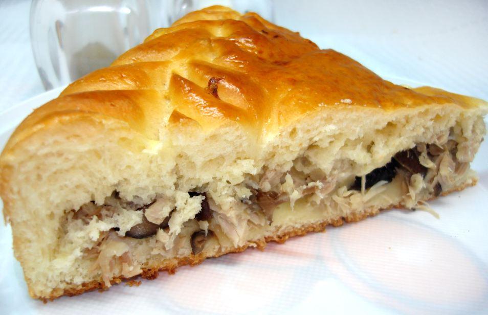 Пиріг з куркою і грибами: лоранський, млинцевий, заливний