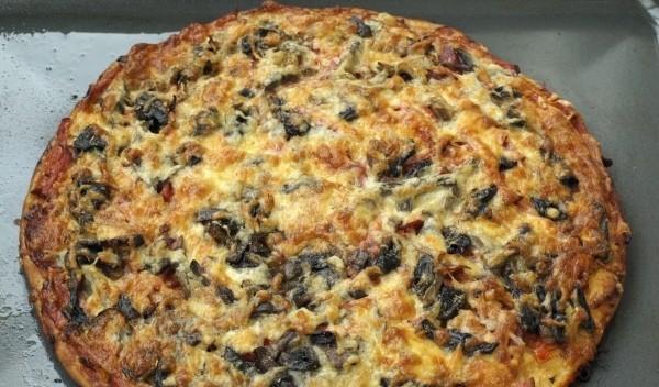 Піца з грибами та ковбасою: легкі рецепти з фото покроково