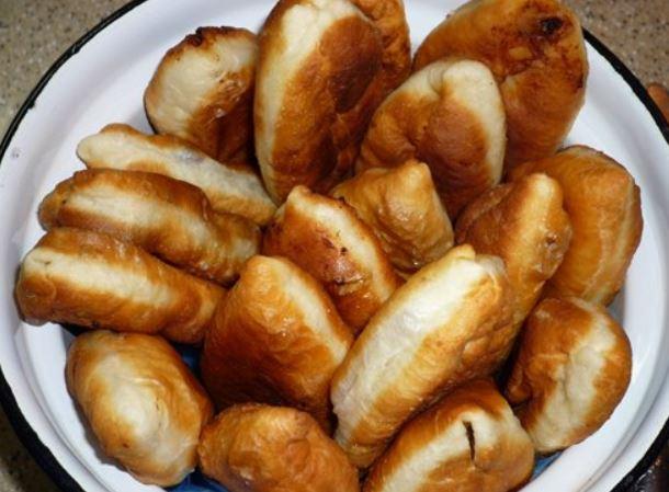 Пиріжки на кефірі смажені: покрокові рецепти з фото, поради