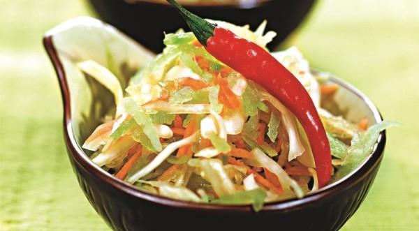 Салат із зеленої редьки: пісний, з морквою, огірком, яйцем