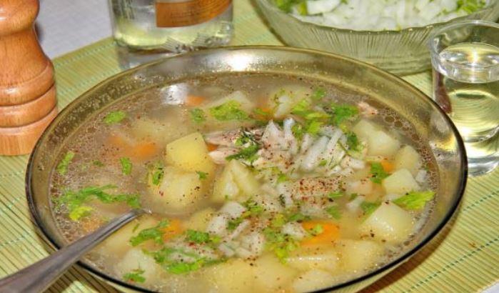 Рибний суп з консервів сайри, горбуші: легкий рецепт з фото
