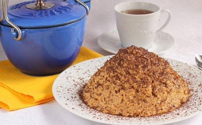 Торт з печива і згущеного молока без випічки: рецепти покроково