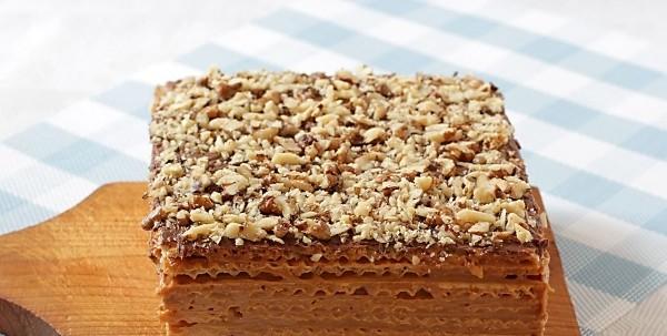Вафельний торт зі згущеним молоком: рецепти з фото, калорійність
