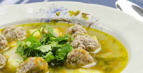 Суп з фрикадельками і рисом: рецепти смачних перших страв