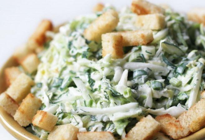 Салати смачні з кириешки: прості рецепти з фото покроково