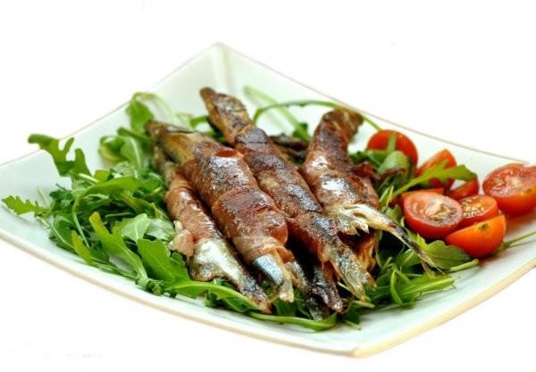 Шпроти в домашніх умовах з морської і річкової риби: рецепти