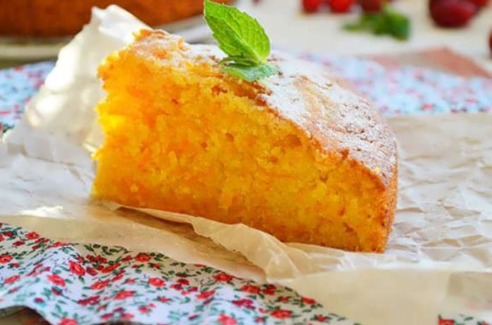 Морквяний пиріг: рецепт простий, на кефірі, пісний без яєць