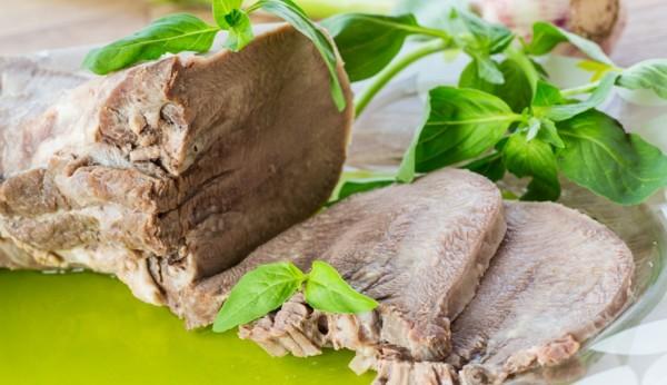 Мова свинячий: рецепт приготування делікатесу покроково з фото