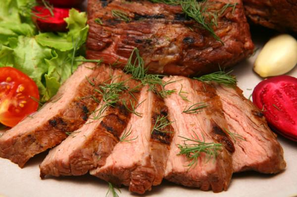 Що приготувати на вечерю з свинини: прості рецепти страв