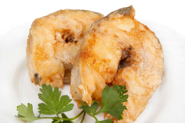 Минтай смажена на сковороді і в духовці: рецепти з фото