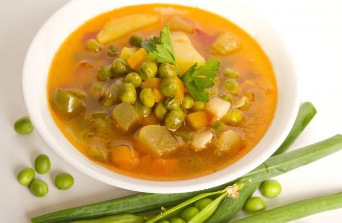 Суп із зеленим консервованим горошком: рецепти з фото