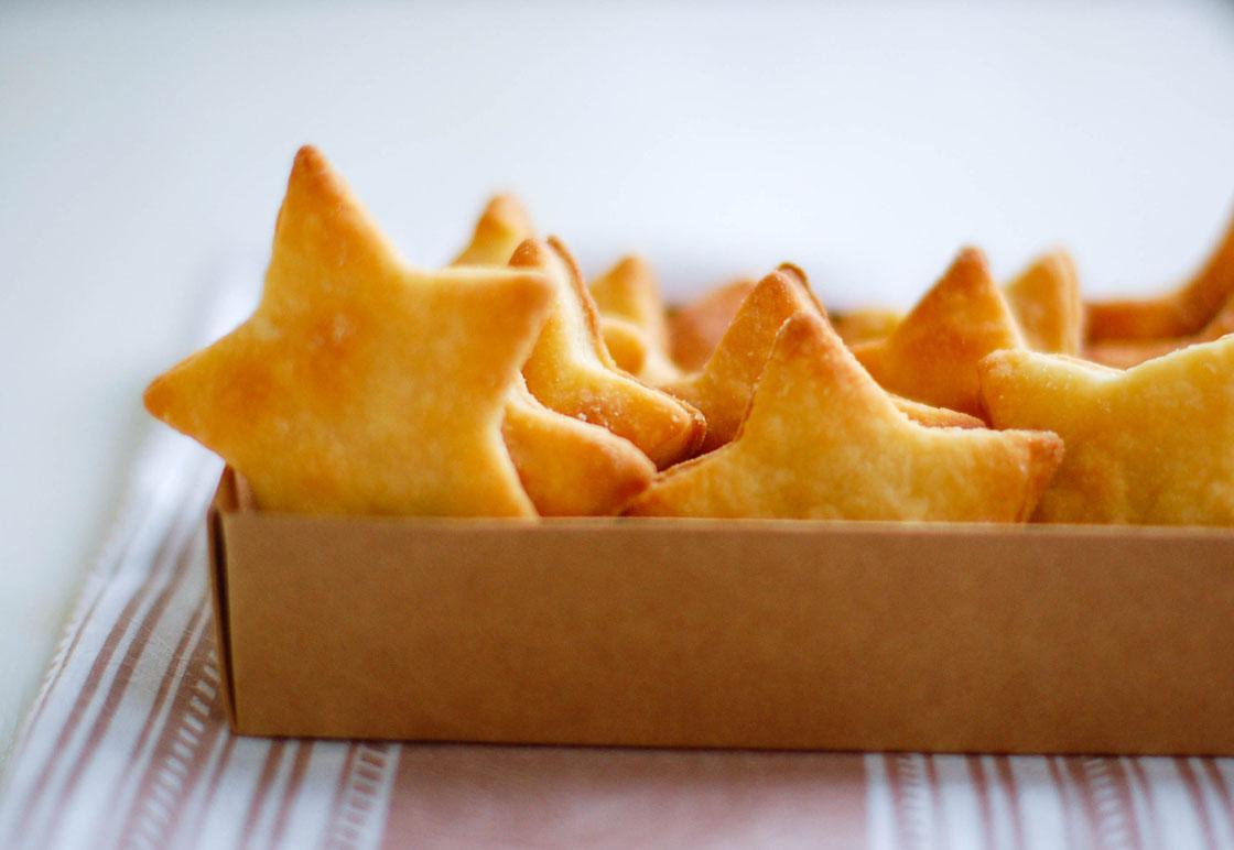 Смачне печиво на сметані: рецепти з фото і відео покроково