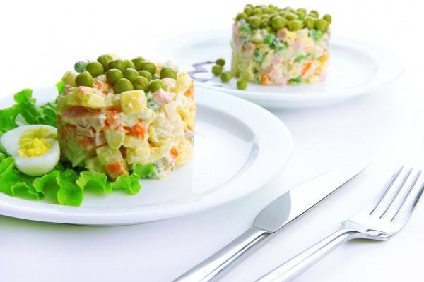 Зимовий салат: покроковий класичний рецепт з фото і відео