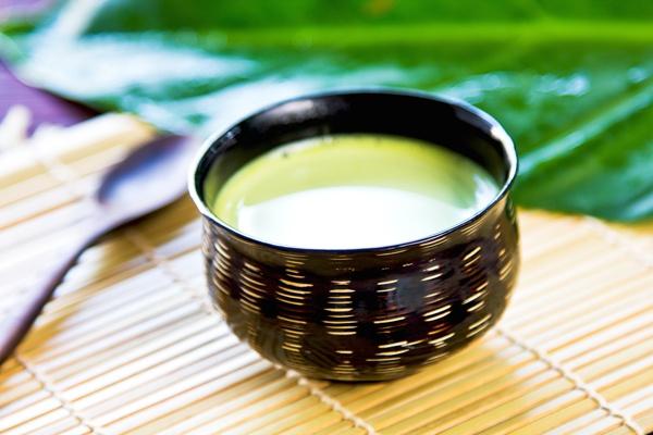 Чорний, зелений і іван-чай з молоком: користь і шкода