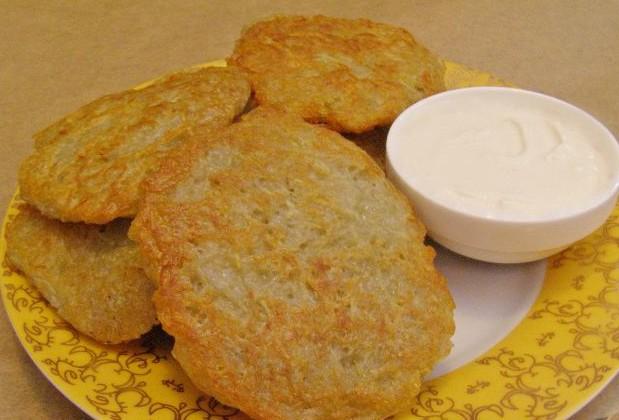 Як смачно приготувати деруни з картоплі: рецепти з фото