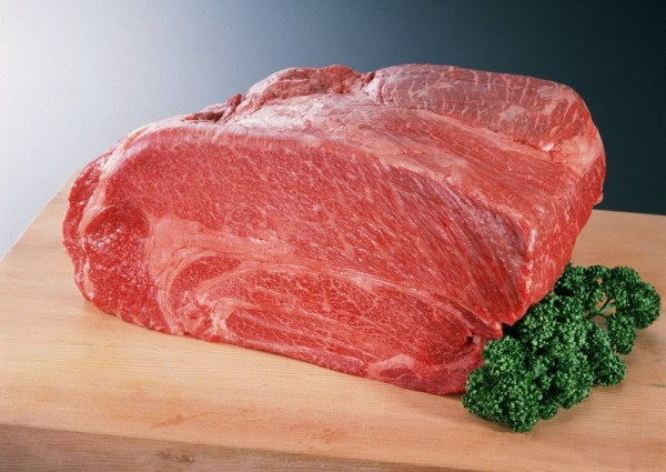 Як швидко розморозити м'ясо в мікрохвильовці і без неї