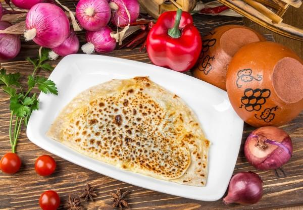 Кутаби з зеленню і сиром: простий рецепт і азербайджанською