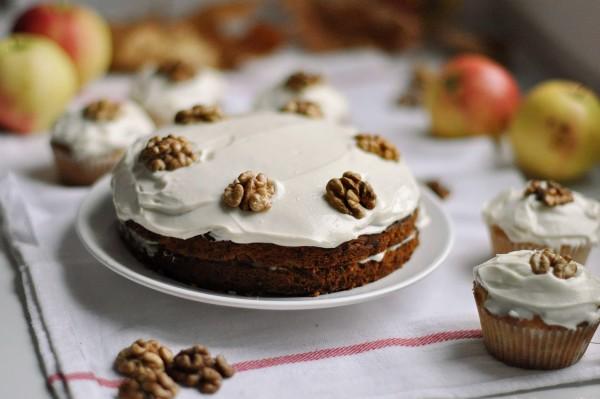 Сметанний крем для бісквітного торта: рецепти з фото і відео