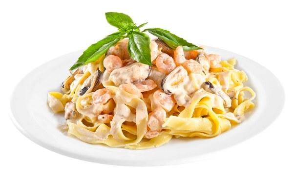 Паста з морепродуктами в вершковому соусі: покрокові рецепти