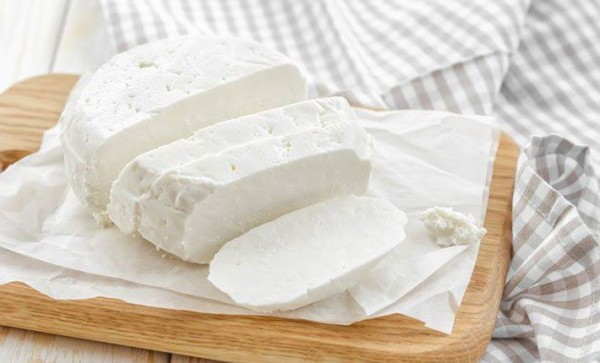 Сир в домашніх умовах з молока: рецепти виготовлення