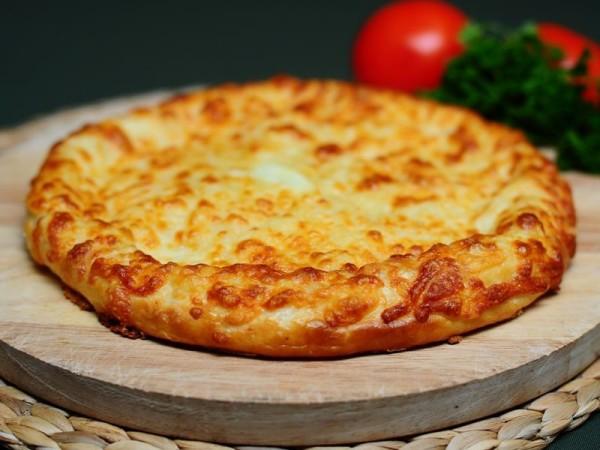 Хачапурі з сиром на сковороді і в духовці: рецепти з фото