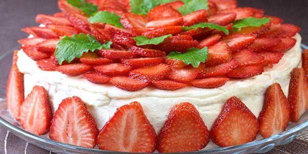 Торт з готових бісквітних коржів: покрокові рецепти з фото