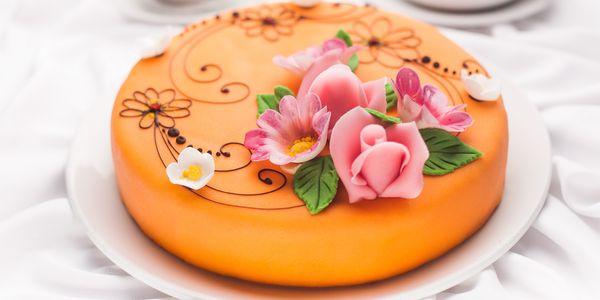 Торт своїми руками з мастики: покроковий рецепт